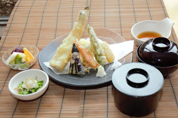 7月は県産アナゴと夏野菜の天ぷら御膳がおススメ
