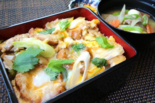 11月は宮城県産ひとめぼれの新米とともに味わうご当地グルメランチ